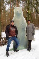 Schauspieler Andreas Hoppe und Bären-Experte Carsten Hertwig im BÄRENWALD. Bild: VIER PFOTEN