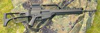 Das Sturmgewehr G36 ist die Ordonnanzwaffe der Bundeswehr und Nachfolger des Gewehres G3, das ebenfalls von Heckler & Koch entwickelt und produziert wurde.