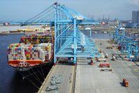 Rotterdam besitzt einen der modernsten Seehäfen der Welt. Bild: ZDF Fotograf: ZDF/Joachim Förster