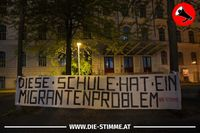 """Aktivisten setzen Zeichen: """"Diese Schule hat ein Migrantenproblem"""""""
