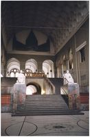 Treppenhaus im Hauptgebäude der Ludwig-Maximilians-Universität München (Symbolbild)