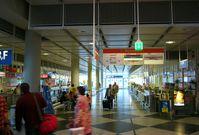Reisebüros in einem Flughafen (Symbolbild)