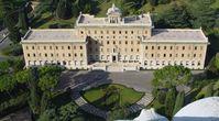 Vatikan: Regierungspalast, gesehen von der Kuppel des Petersdomes