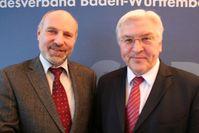 Rainer Arnold (links) mit Frank-Walter Steinmeier, 2009