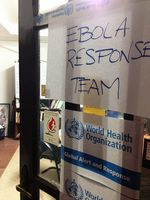 Büro für Ebola Response Team. Bild:   CDC Global, on Flickr CC BY-SA 2.0