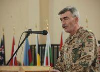 Hans-Lothar Domröse (hier bei seiner Verabschiedung als ISAF-Stabschef im ISAF-Headquarter in Kabul, Jan. 2009)