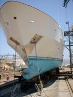 Schiffsrumpf zur Reparatur (Symbolbild)