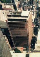 World Trade Center 7 (auch Salomon Brothers Building; abgekürzt WTC 7 oder 7 WTC; deutsch Welthandelszentrum – Gebäude 7)