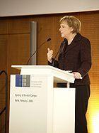 Angela Merkel bei der Rede zur Eröffnung des Campus der ESMT 2006 Bild: ESMT / de.wikipedia.org