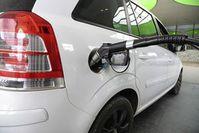 Betanken eines Erdgasautos.