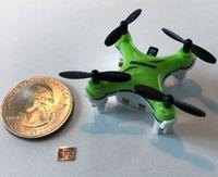Neuer Chip im Größenvergleich mit einer US-Zehn-Cent-Münze.