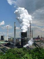 Schwerindustrie: CO2-Ausstoß ist nützlich. Bild: pixelio.de, Dieter Schütz