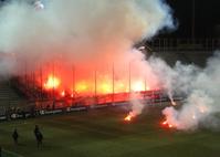 Bengalische Feuer beim UEFA-Cup-Spiel AC Parma – VfB Stuttgart