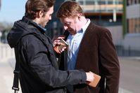 Symbolbild Bild: Polizei Trickdieb beschmutzt Jacke seines Opfers