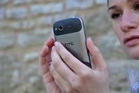 Handy: Online-Dienste manipulieren bewusst (Foto: pixelio.de, J. Kirchner)