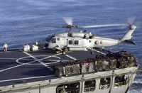 SH-60H Sea Hawk bei Transportarbeiten (Symbolbild)