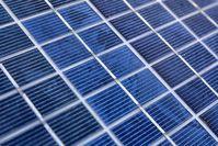 Solarpanele: Neue Solarzellen spalten Wasser. Bild: pixelio.de/Tim Reckmann