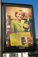 Darstellung Angela Merkels im Ausland (Symbolbild)