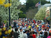 Boston Marathon in Wellesley (2010) Bild: Peter Farlow - wikipedia.org