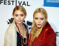 Ashley und Mary-Kate Olsen (2011)
