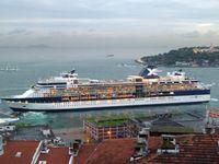 Das Gasturbinenschiff Celebrity Constellation ist ein 5-Sterne-Luxus-Kreuzfahrtschiff, das von der Reederei Celebrity Cruises betrieben wird und Mitte Mai 2002 in Dienst gestellt wurde.