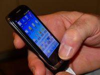 Smartphone: Apps sind ein unaufhaltsamer Trend. Bild: pixelio.de, U. Mulder