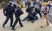 Polizeigwalt am 18.11.2020 in Berlin gegen unbewaffnete und friedliche Bürger.