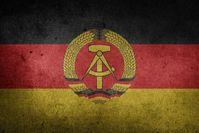 """Symbol für Unrecht, Unterdrückung und sozialistische Menschenverachtung: Die Flagge der """"DDR"""""""