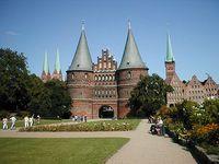 Wahrzeichen Lübecks: das Holstentor. Bild: Jorges / de.wikipedia.org