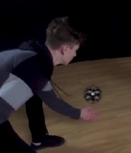 Gestensteuerung: So einfach kann Drohne sein. Bild: youtube.com
