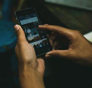 Smartphone: Viele ignorieren Internetzugang.