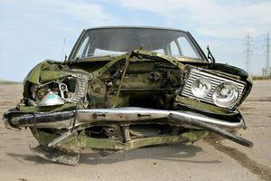 Unfallwagen: Software soll das vermeiden. Bild: pixelio.de/Petra Engeljehringer