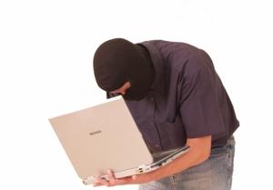 Hacker: leichtes Spiel mit allen AV-Produkten? Bild: pixelio.de, tommyS