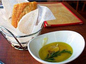 Olivenöl: Seine Inhaltsstoffe kommen auch der Leber zugute. Bild: Flickr Creative Commons/Krista