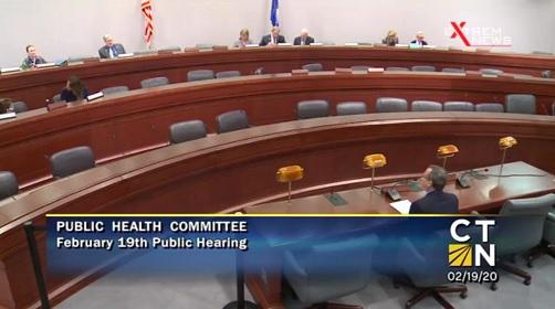 Dr. Larry Palevsky am 19. Februar 2020 vor dem Ausschuss für öffentliche Gesundheit in Connecticut