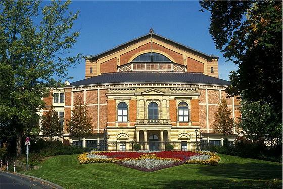 Wagner-Festspielhaus in Bayreuth Bild: Spurzem at de.wikipedia
