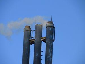 Schornsteine: Emissionsquelle für CCl4 unbekannt. Bild: pixelio.de, Martin Berk