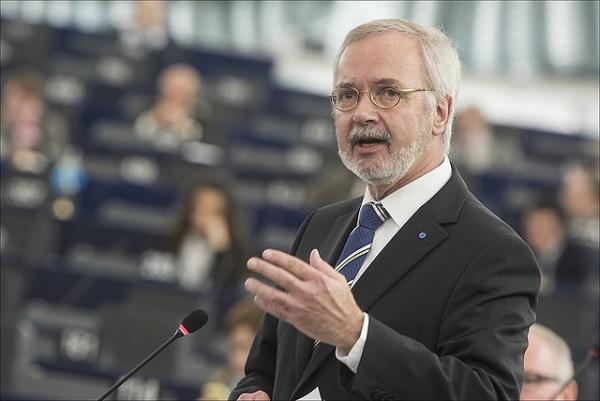 Werner Hoyer Bild:  European Parliament, on Flickr CC BY-SA 2.0