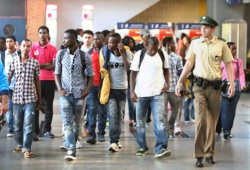 Einwanderer und Asylanten (Symbolbild)