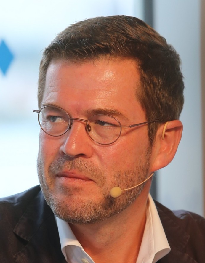Karl-Theodor Maria Nikolaus Johann Jacob Philipp Franz Joseph Sylvester Buhl-Freiherr von und zu Guttenberg (2017)