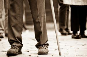 Alte Menschen: Risikogruppe für Knochenbrüche. Bild: flickr.com, ashraful kadir