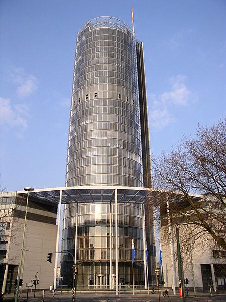 Zentrale der RWE AG in Essen. Bild: Baikonur / de.wikipedia.org