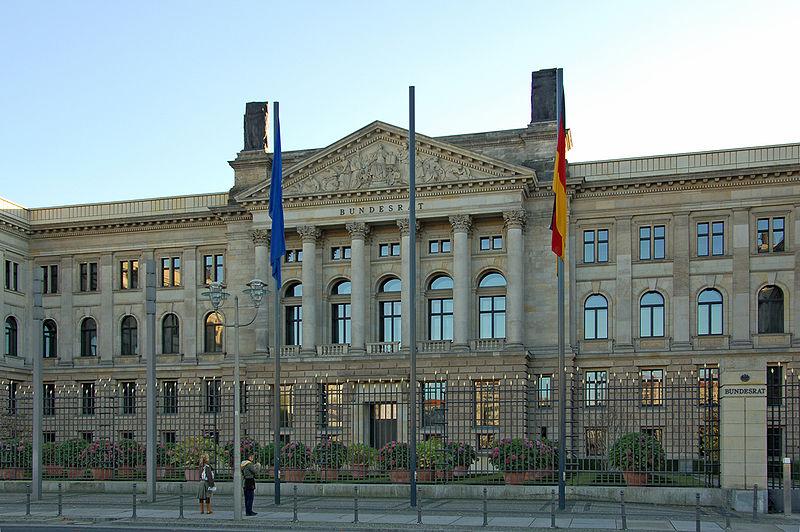 Ehemaliges Preußisches Herrenhaus, Sitz des Bundesrates Bild: campsmum / Patrick Jayne and Thomas / de.wikipedia.org