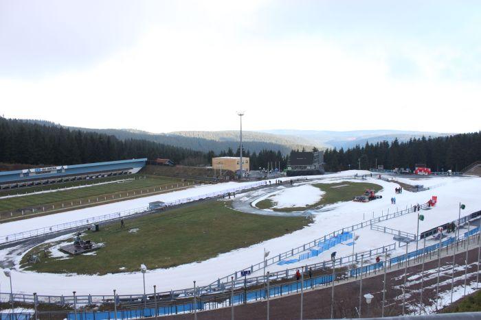 Das weiße Band im Oberhofer Skistadion. Bild: WSRO-Skisport GmbH