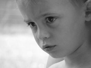 Kind: Jungs beim Thema Missbrauch oft vergessen. Bild: Roland Köster/pixelio.de