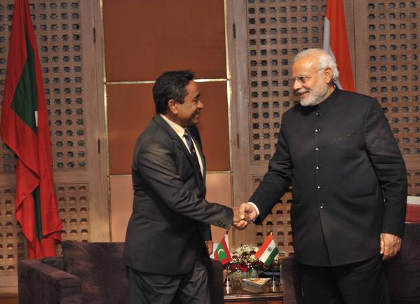 Abdulla Yameen (links) mit dem indischen Premierminister Narendra Modi (2014)