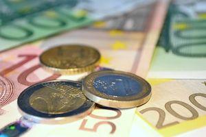Geld: Facebook-Freunde wichtiges Kriterium. Bild: pixelio.de/Andreas Hermsdorf