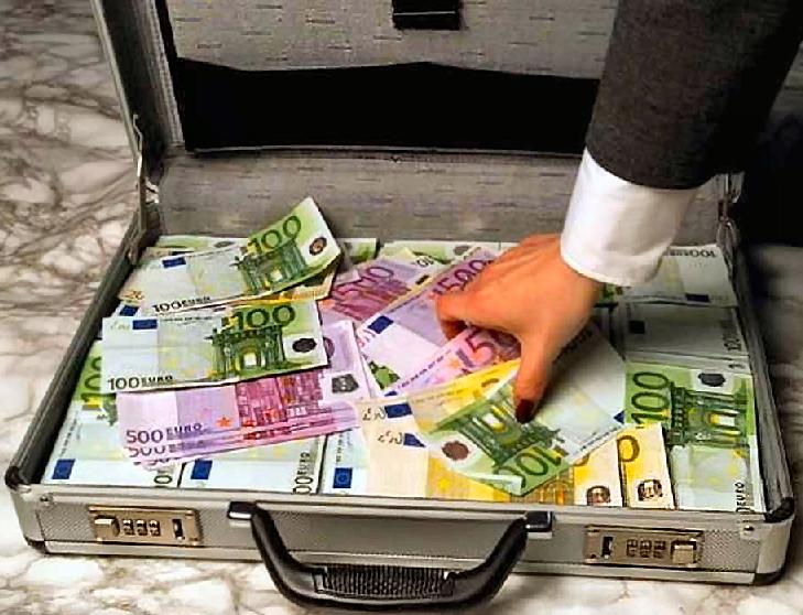 Steuern: Geld das für keinen bestimmten Zweck von den Einwohnern erzwungen wird. Es kann daher jederzeit zur finanziellen Befriedigung von Parlamentarierern verwendet werden (Symbolbild)