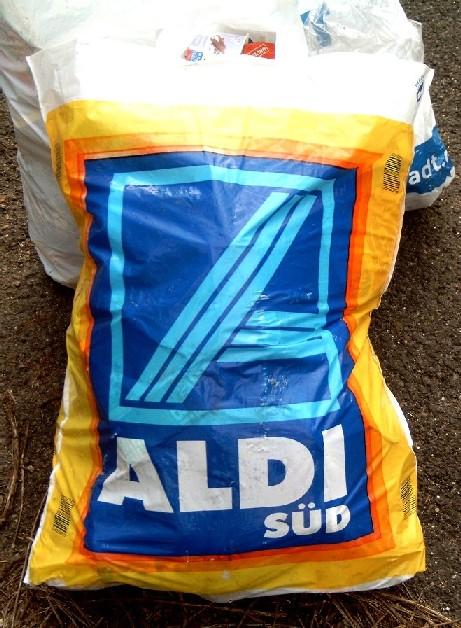 Einkaufstüte von Aldi Bild: Kku - wikipedia.org