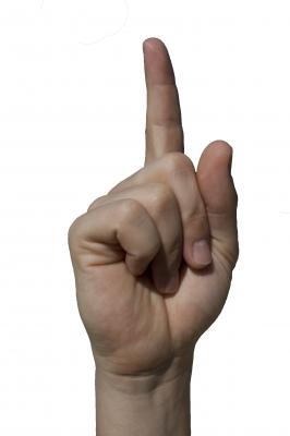 Erhobener Zeigefinger, Drohen & Warnen (Symbolbild)